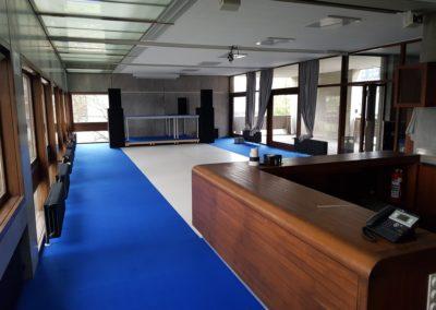 Teppichverlegung, Teppich blau