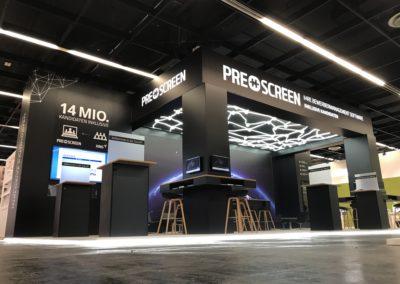 Unterleuchteter Systemboden, Wandbau Grafik, hinterleuchteter Digitaldruck, LED Wand-Cluster, Säulentische, Loungemöbel, Sternenhimmel, Fangnetz LED-Schläuche