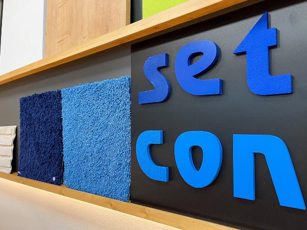 Innenausbau blaue Würfel setcon  Event & Expodesign GmbH