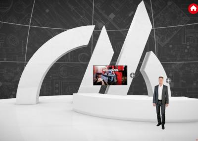 Mitarbeiter vor weißem, virtuellen Messestand mit kubischen Formen und einem Monitor, vor einem grauen Hintergrund, auf dem ein technischer Plan abgebildet ist, rote Icons (Home und Fragezeichen)