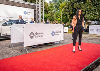 57. Grimme-Preis 2021 Preisträgerin Mai Thi Nguyen-Kim auf rotem Teppich