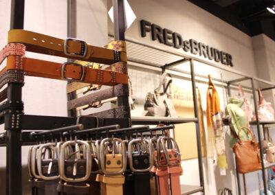 Detailaufnahme der Verkaufsprodukte von FREDsBRUDER im Ladenlokal